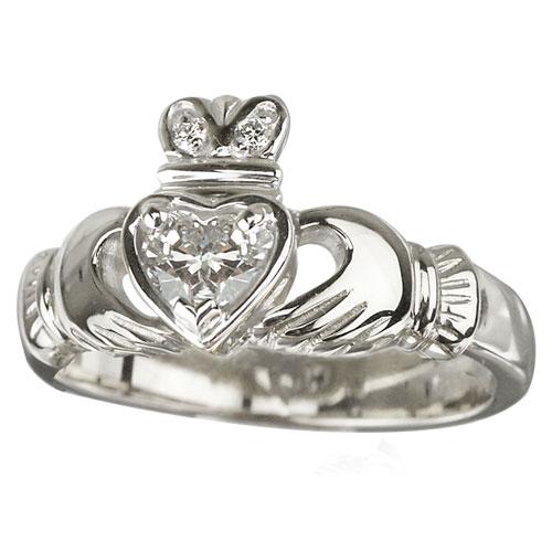 Solvar Diamond Claddagh Ring